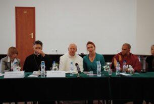 "Сессия межрелигиозного диалога: ""Небеса и Нирвана"""