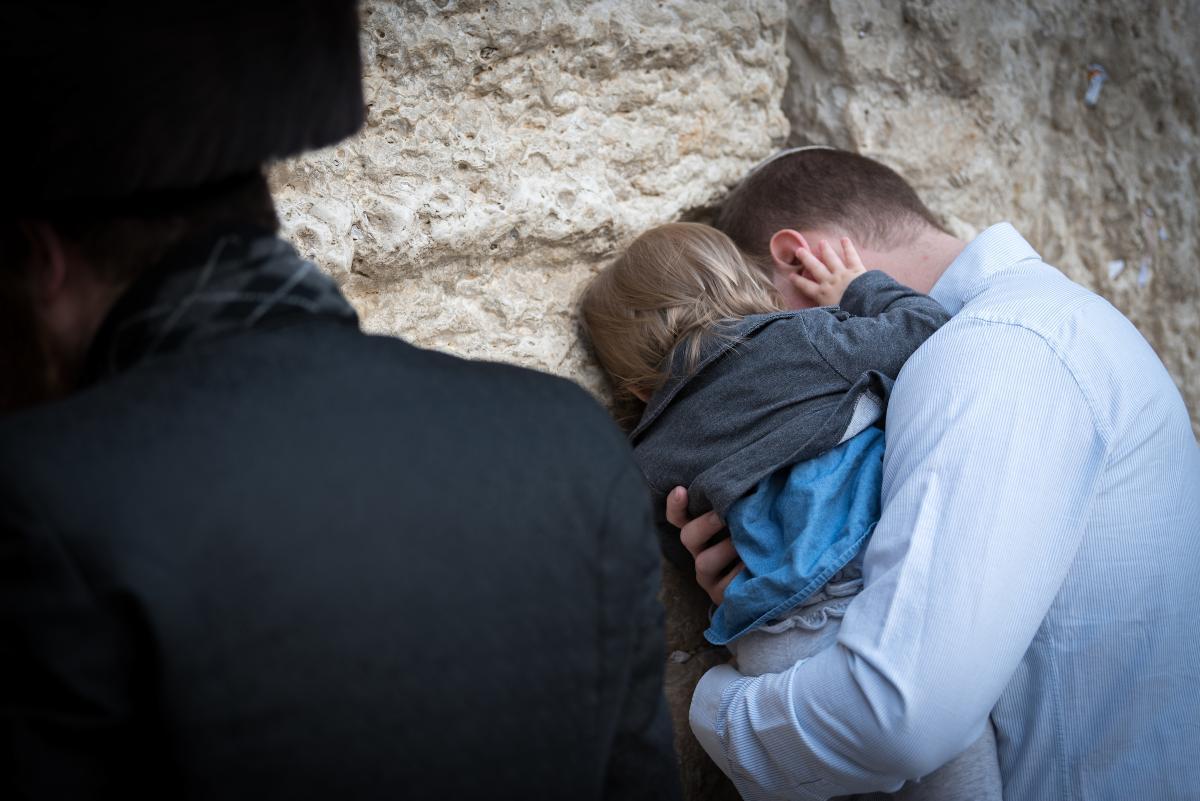 Протестантские и католические церкви Германии начинают кампанию против антисемитизма