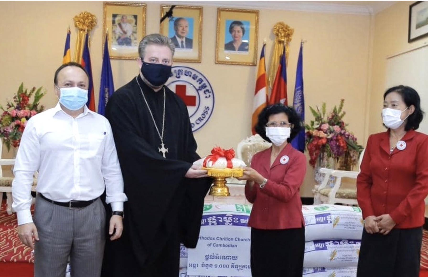 Православные приходы  в Камбодже пожертвовали тонну риса для пострадавших от наводнений