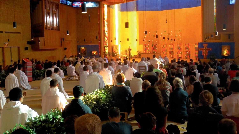 Папа Франциск призывает экуменическую общину Тэзе распространять надежду