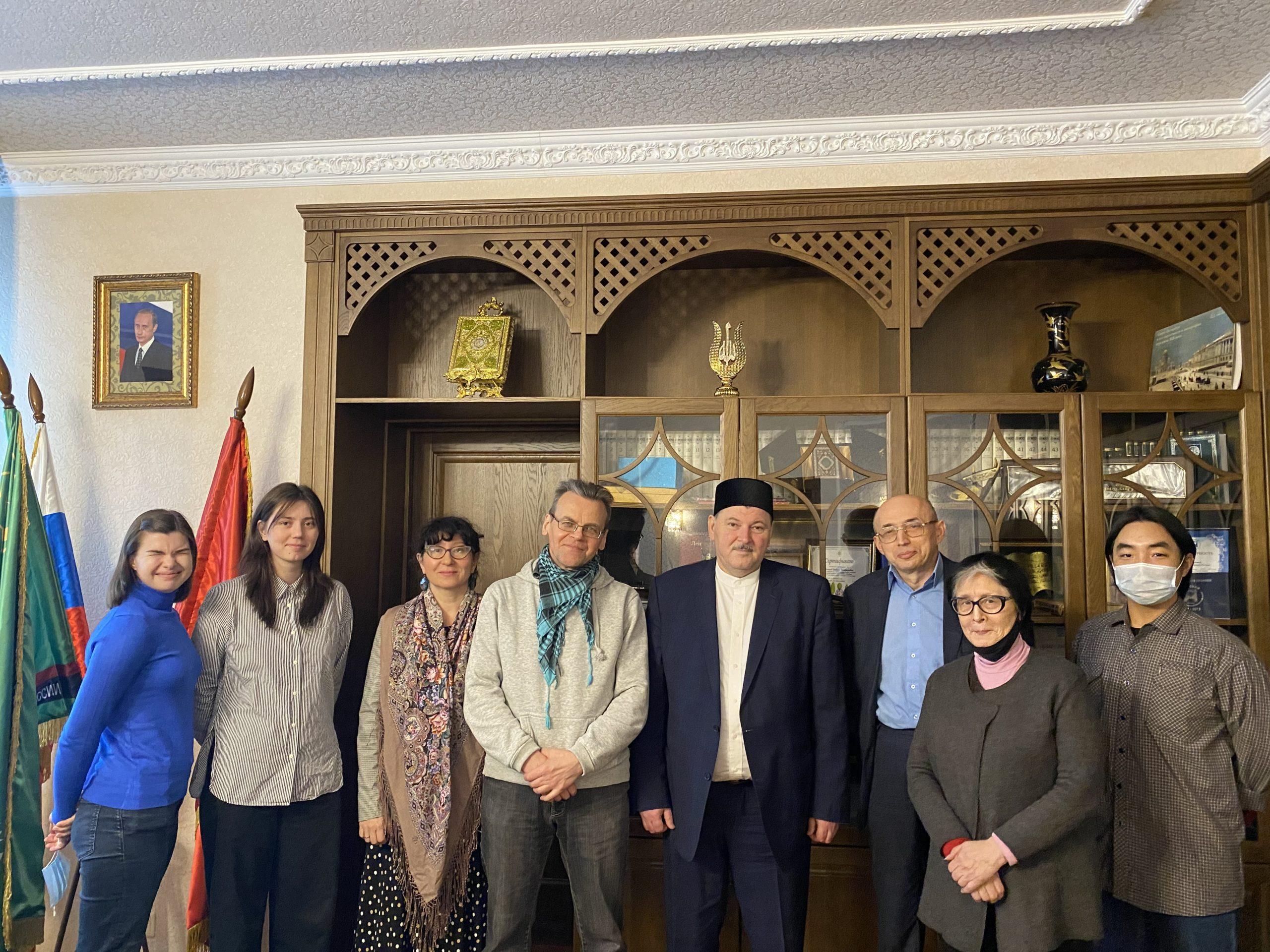 Санкт-Петербургскую Соборную мечеть посетили студенты и профессора ЛГУ им. А. С. Пушкина