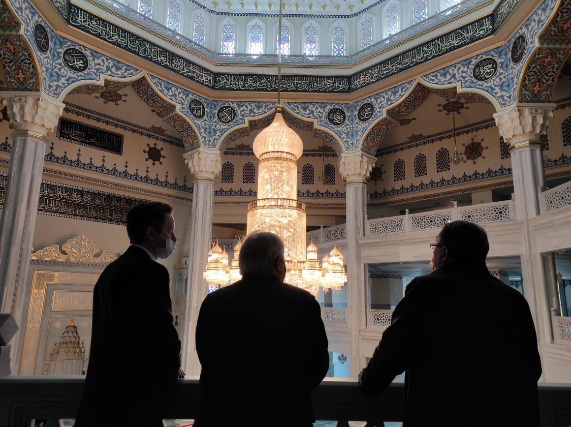 Апостольский нунций посетил Московскую Соборную мечеть в дни Рамадана