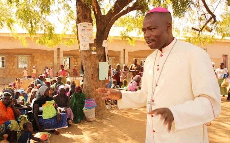 Католический епископ объяснил, почему он построил мечеть для беженцев