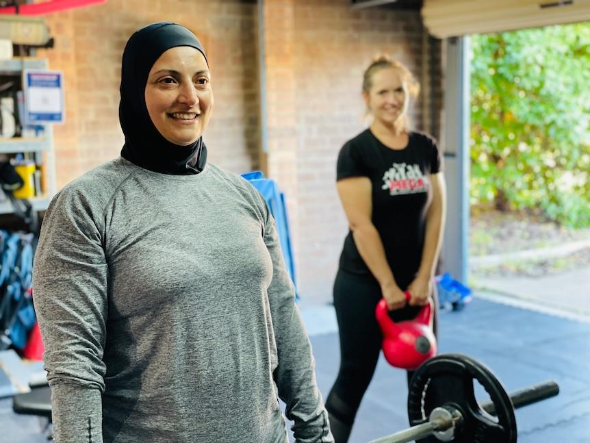 Австралийская мусульманка открыла женский центр для  занятий спортом