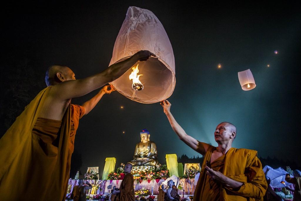 Буддисты и христиане:  продвигая культуру заботы и солидарности