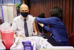 Половина мормонов сделали или планируют сделать прививку от коронавируса