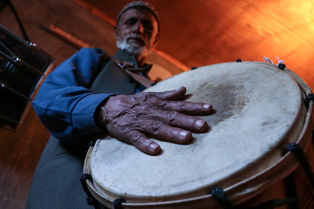 """""""Полуночные барабанщики"""" Кашмира, поддерживают многовековую традицию Рамадана"""