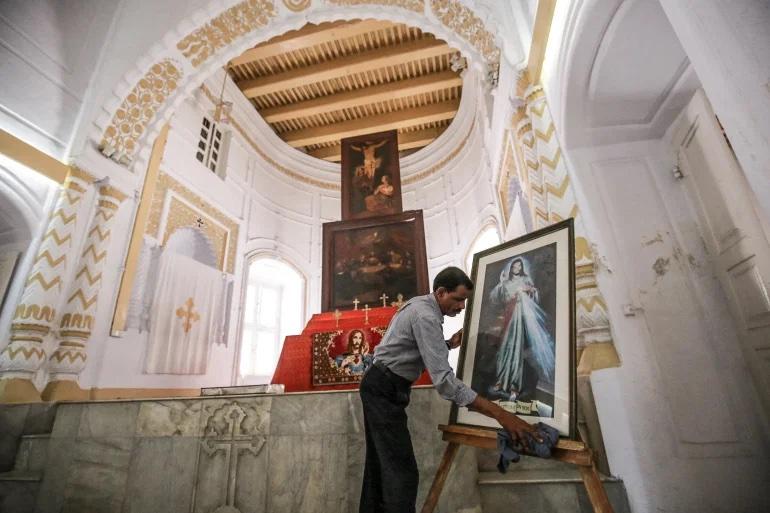 В пустой армянской церкви Бангладеш остался последний прихожанин – смотритель-индуист