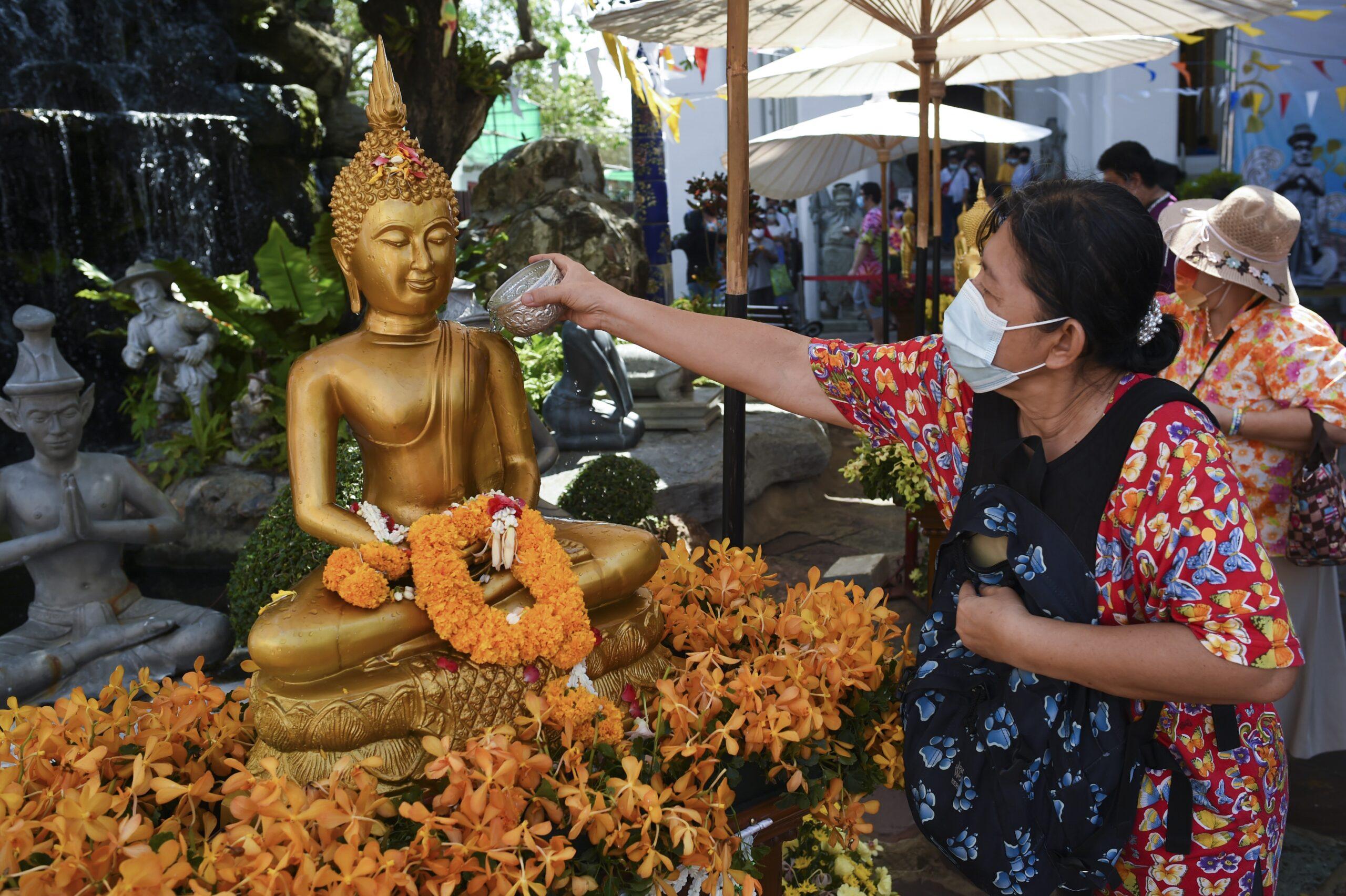 Влияние пандемии на буддистские храмы Таиланда не ограничивается экономическими потерями