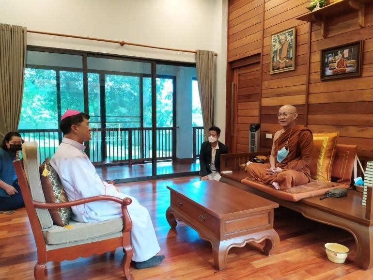 Католики и буддисты развивают диалог в Таиланде