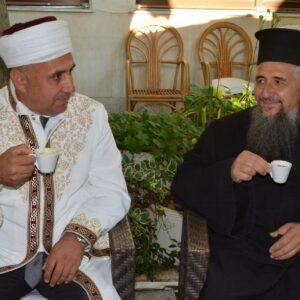 """Болгарский священник и муфтий вместе выпили """"кофе толерантности"""" на Курбан-байрам"""