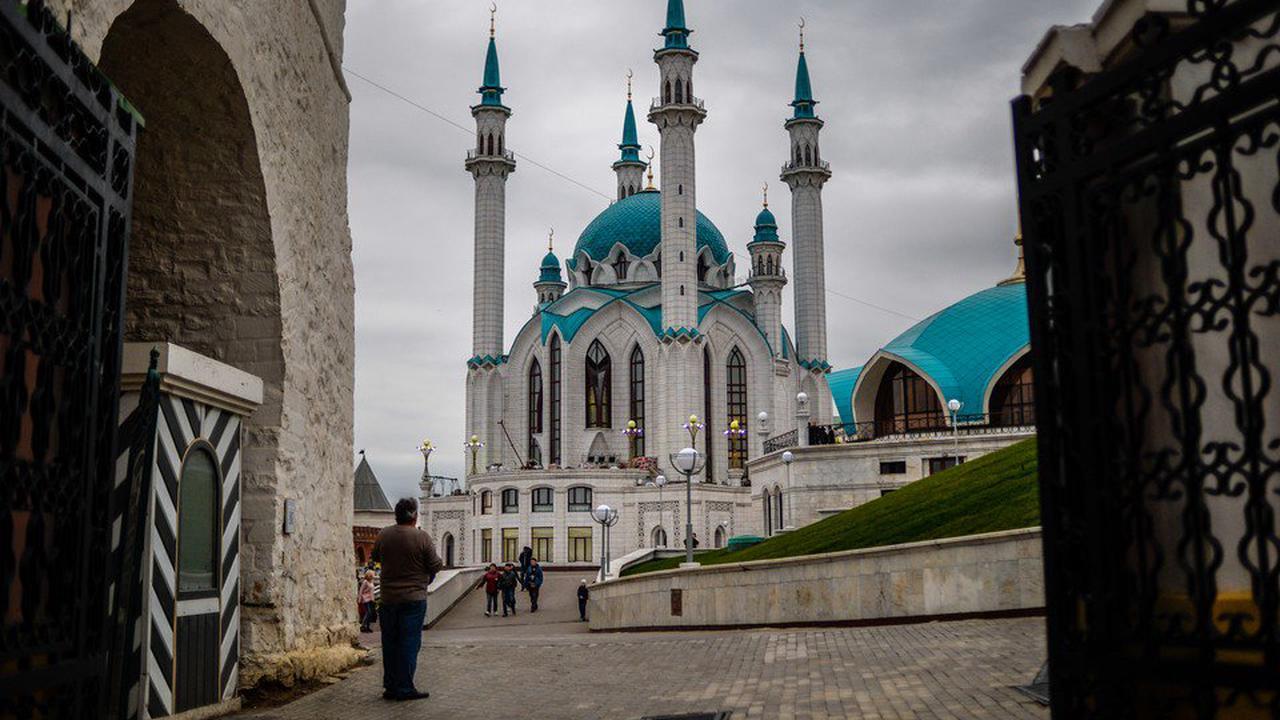 Руководители страны поздравили мусульман России с праздником Курбан-байрам