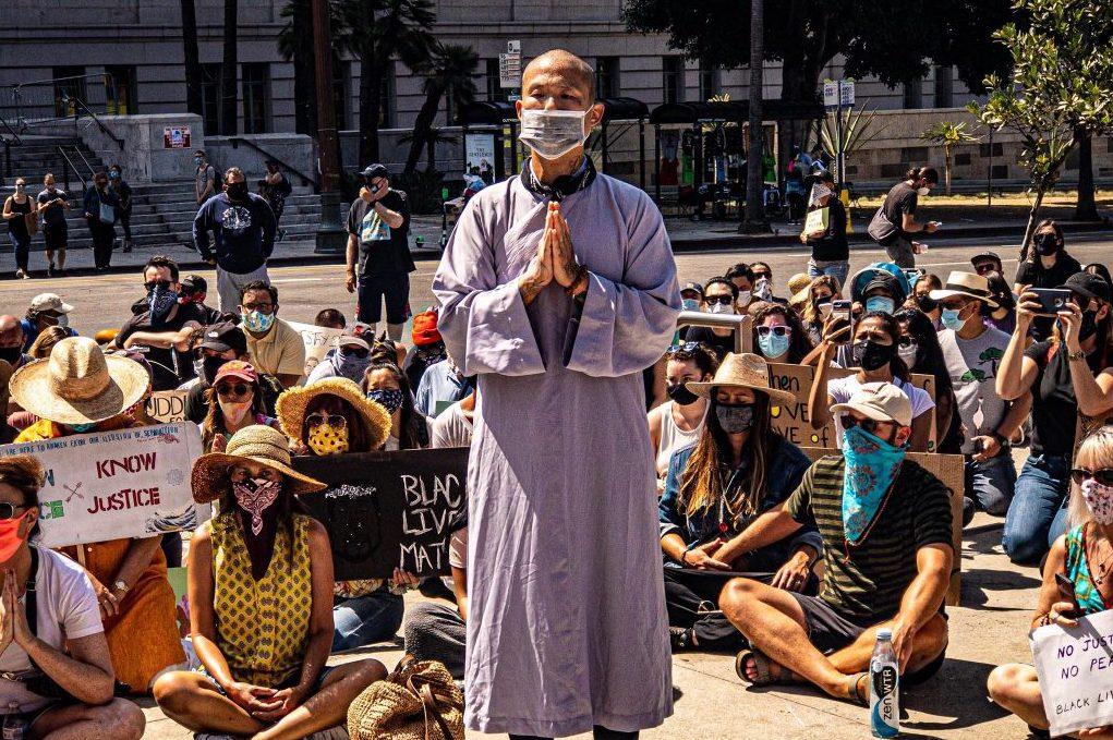 Азиатско-американские и чернокожие буддийские учителя размышляют о расовой солидарности