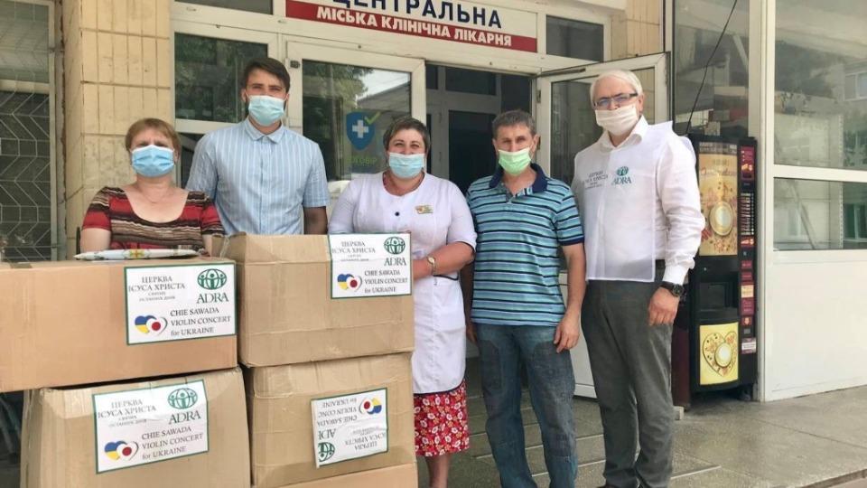 Адвентисты и святые последних дней вместе помогают украинским медикам в борьбе с коронавирусом