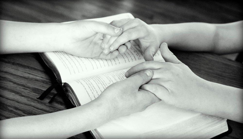 Поколение Z сохраняет веру. Только не ожидайте увидеть их на богослужении