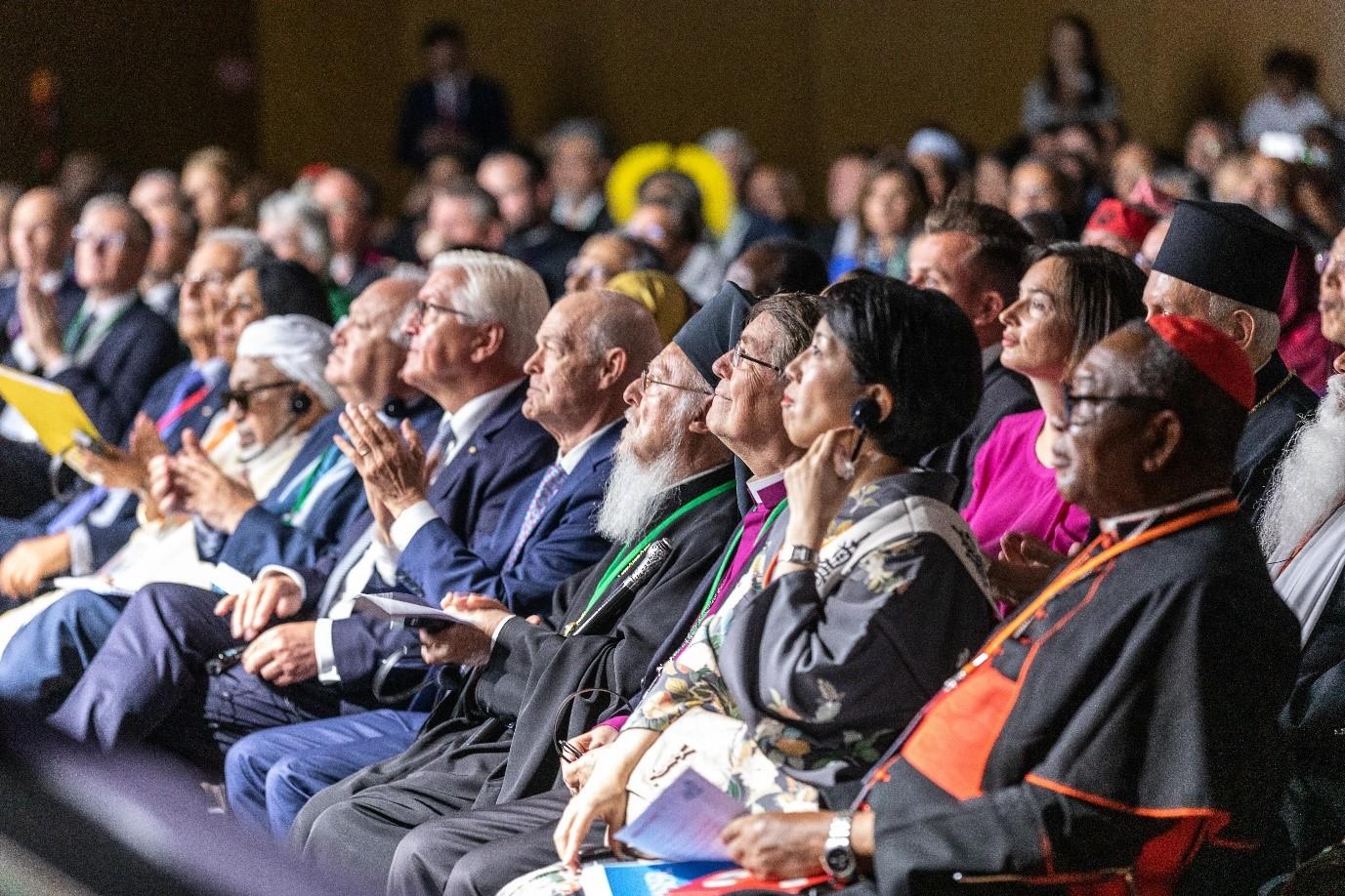 Религии за мир: борьба с языком ненависти, изменением климата и COVID-19
